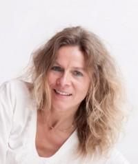 Anja Martina Bürk-Deharde Beziehungsspiel